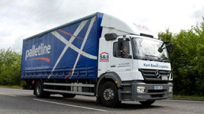 delamere logs delivery lorry